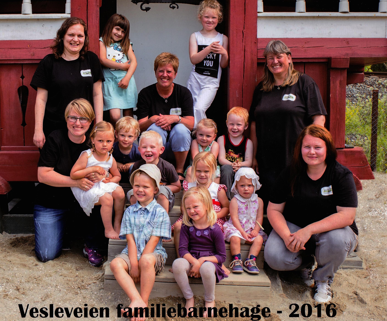 Vesleveien Familiebarnehage | Natur og opplevelser i et lite miljø gir trygghet, samspill og gleder.